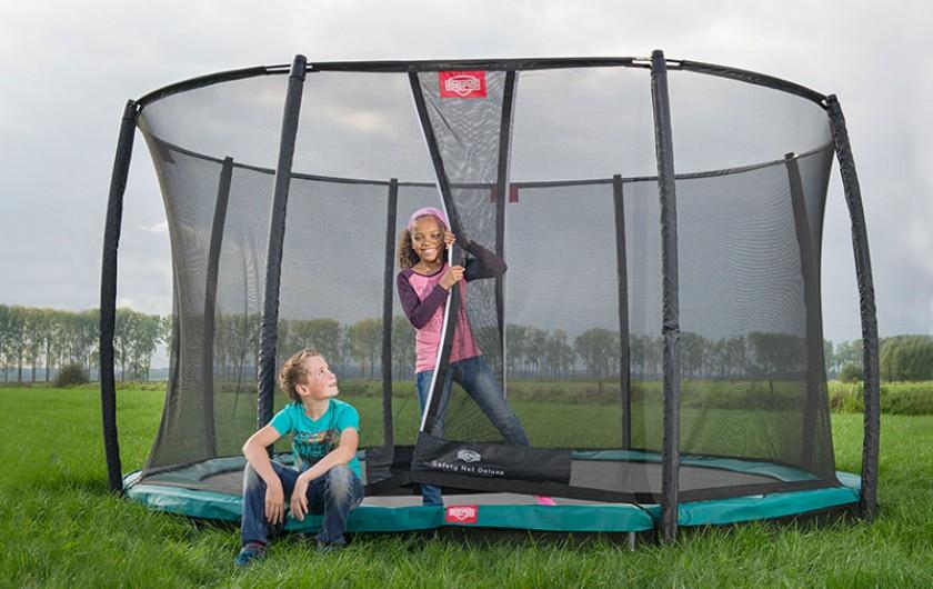 berg trampolin hvilke er bedst i test og hvor er de billigst. Black Bedroom Furniture Sets. Home Design Ideas