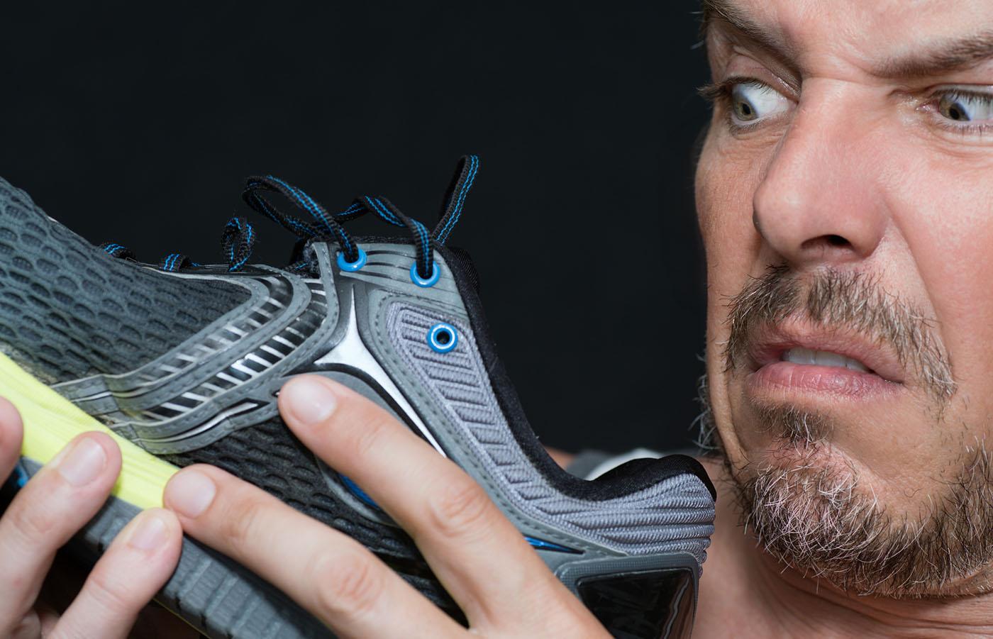 fjern lugt fra sko