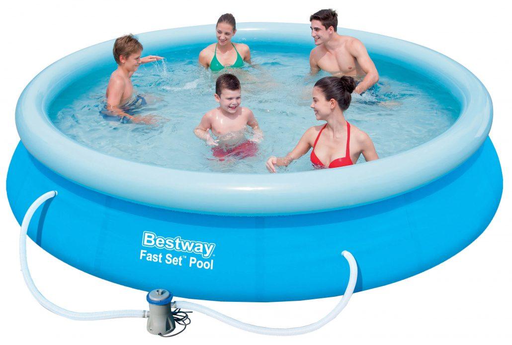 Billig swimmingpool med ekstraudstyr