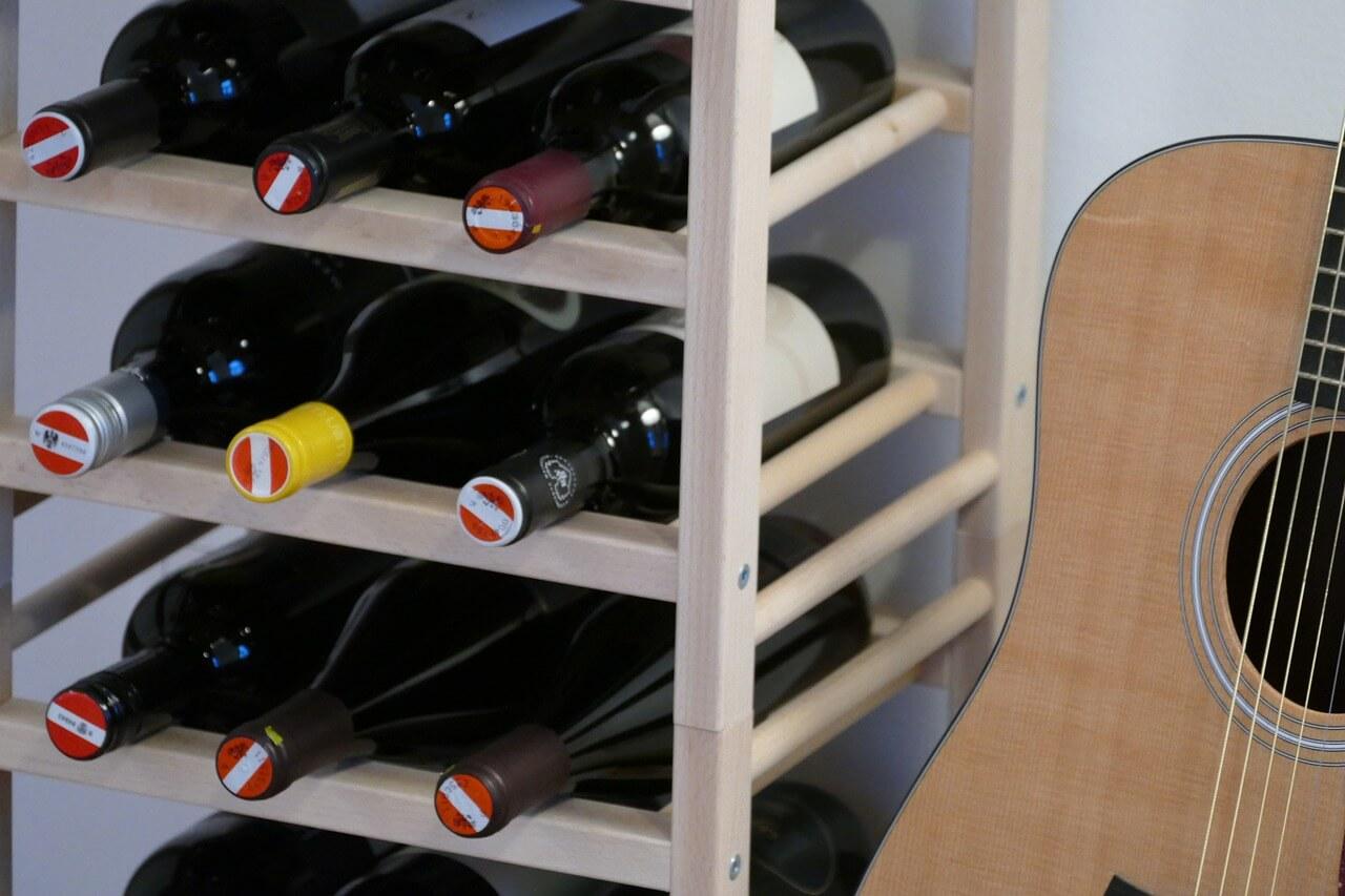 Picture of: Vinreoler 16 Af De Flotteste Og Finurligste Vinholdere Trae Eller Metal