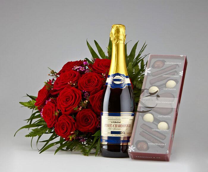 Romantiske Roser, Mousserende Vin & Chokolade